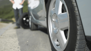 Tips in the event of a tire blowout 300x169 - المركز الإعلامي